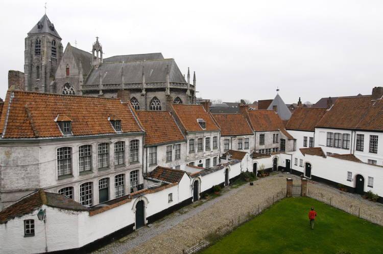 آشنایی با جاذبه های آمستردام : Beguinage