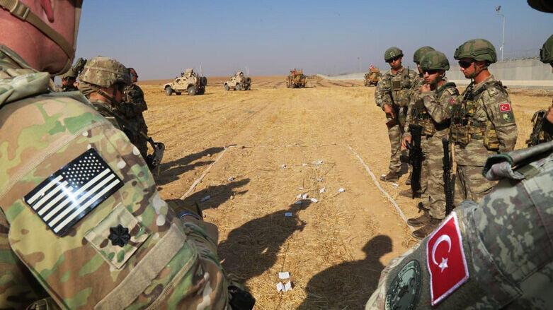نظامیان آمریکایی از شمال سوریه عقب نشینی کردند