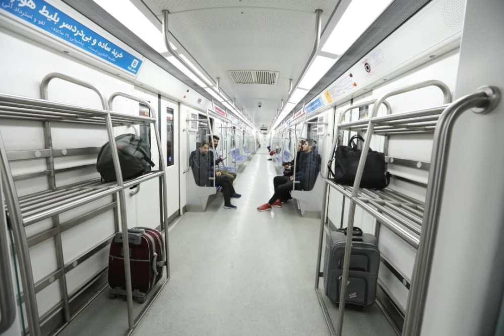 استفاده از قطار سه واگنه مخصوص فرودگاه در خط فرودگاه امام خمینی (ره)