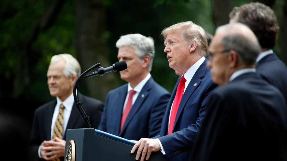 قطع همکاری آمریکا با سازمان جهانی بهداشت، مرکل دعوت ترامپ برای سفر به آمریکا را رد کرد