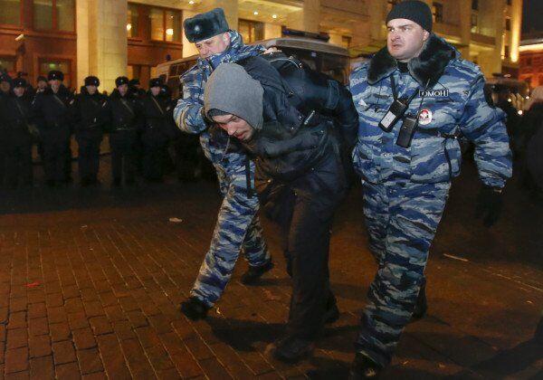 دستگیری معترضان در مسکو و سن پترزبورگ پس از محکومیت ناوالنی به زندان