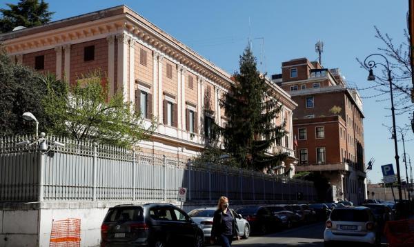 بازداشت افسر ایتالیایی به اتهام جاسوسی برای روسیه، بدهی داشتم